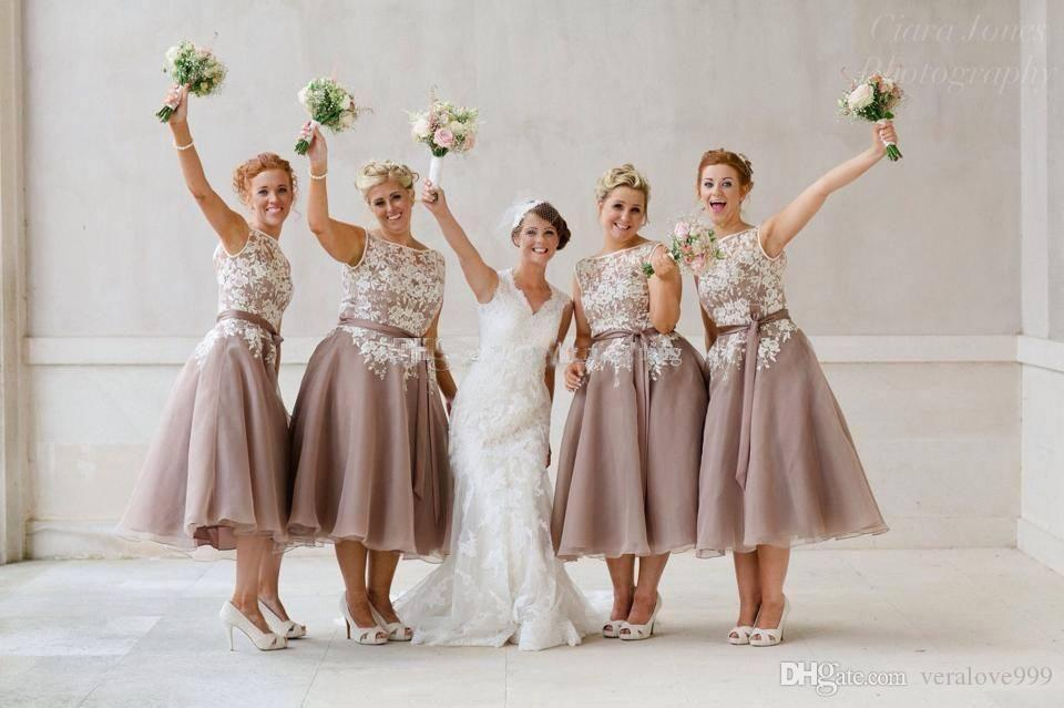 Popular Short Bridesmaid Dresses Sleeveless Lace Organza Tea Length Light Sky Blue Backless Party Dresses Honor of the Maid Gowns Custom