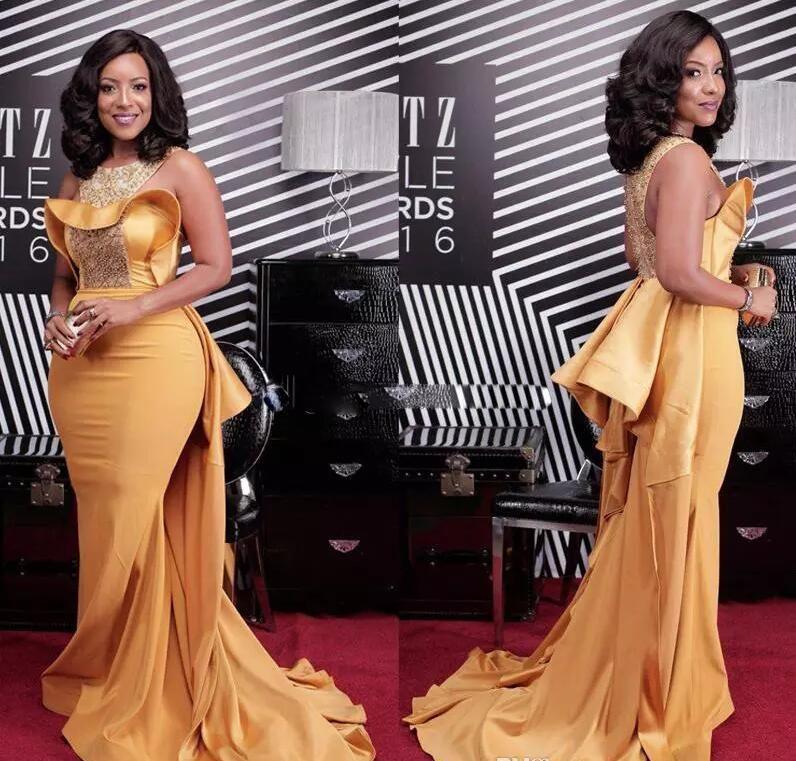 Plus La Taille Sexy Sirène 2017 Robes De Bal Africain Scoop Neck Cristal Perlé Satin Robes De Célébrités Femmes Dusty Jaune Robes De Soirée