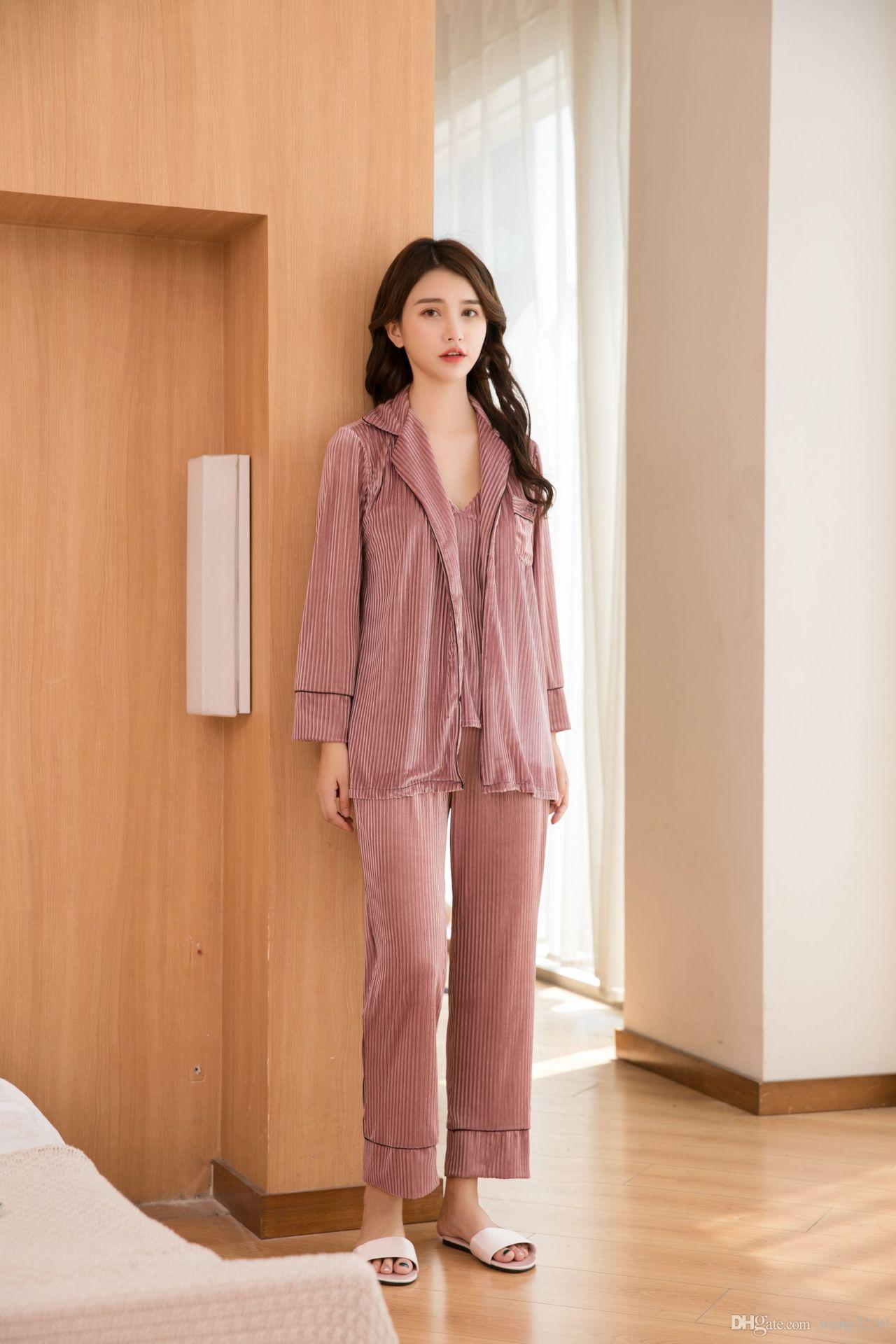 El nuevo Europa y los Estados Unidos pleuche pijamas damas qiu dong el traje de traje de arnés cómodo suave traje de tres piezas leisurewear