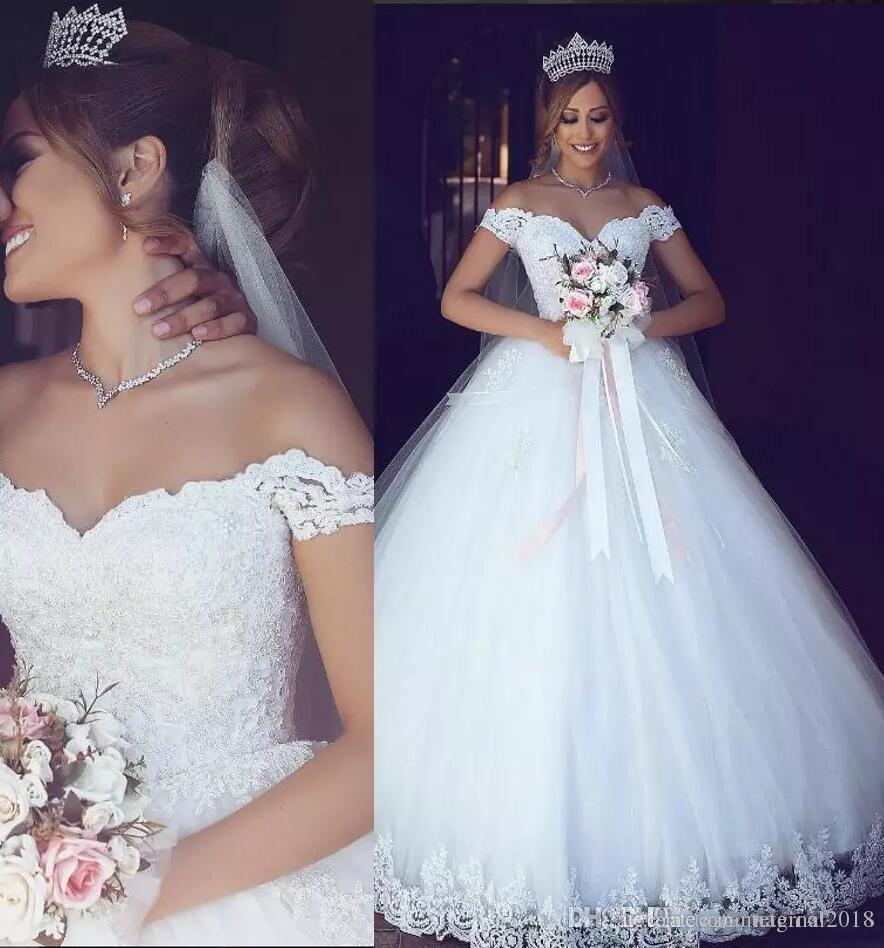 Mütevazı Beyaz Dantel Arapça 2018 Yeni Balo Gelinlik Sevgiliye Aplikler Tül Gelin Elbiseler Vintage Ucuz Bir Çizgi Gelinlikler