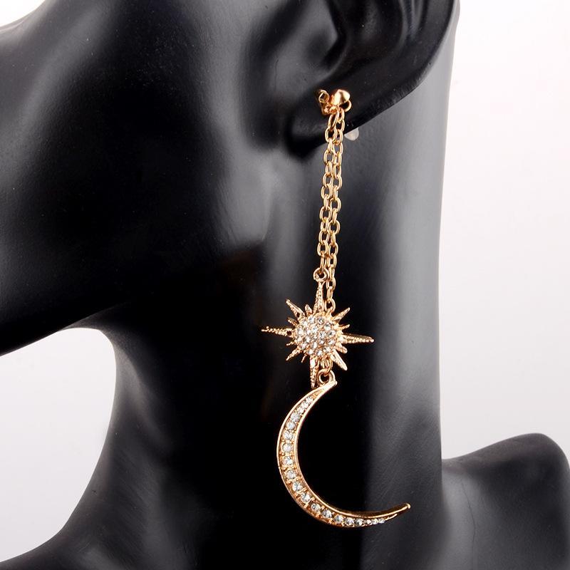 Pendientes colgantes de cadena larga de color dorado Forma de estrella de la luna simulada - Pendientes de gota de perlas para joyería de las mujeres
