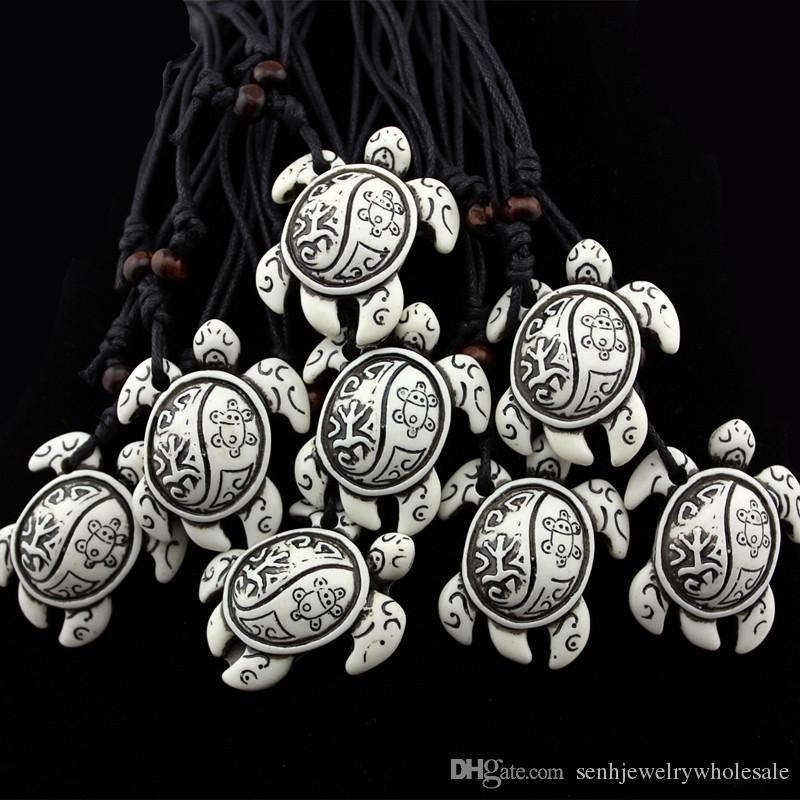 Commercio all'ingrosso di gioielli 12 PZ / LOTTO Totem Tribale Faux Bone Resina Intagliata sole sun Sea Turtle Collana Pendente Tortoise Amuleto Talismano Regalo MN604