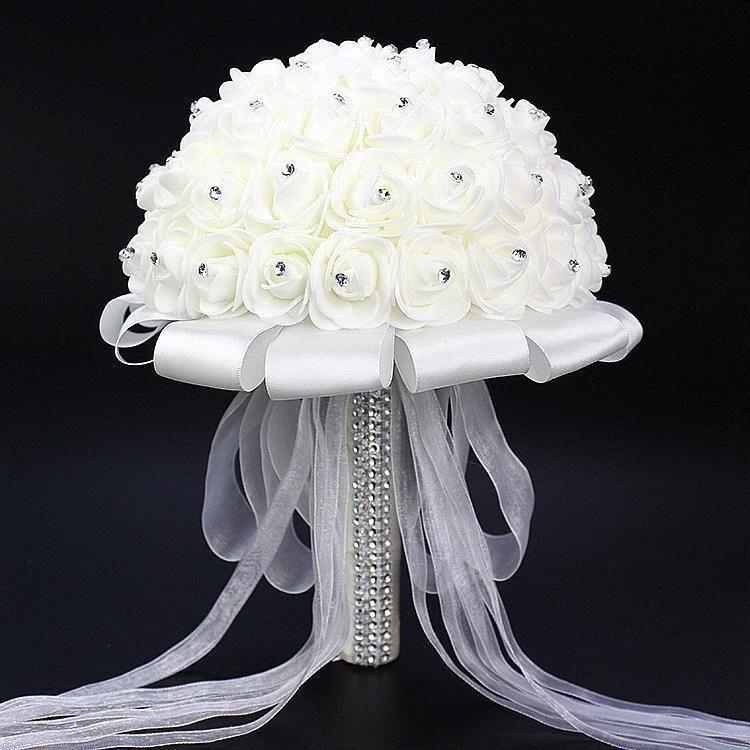 2021 ventas calientes rosa flores nupciales artificiales novia ramo de novia ramo de boda cristal marfil de seda cinta de seda NUEVO BUQUE DE NOIVA CPA818 barato