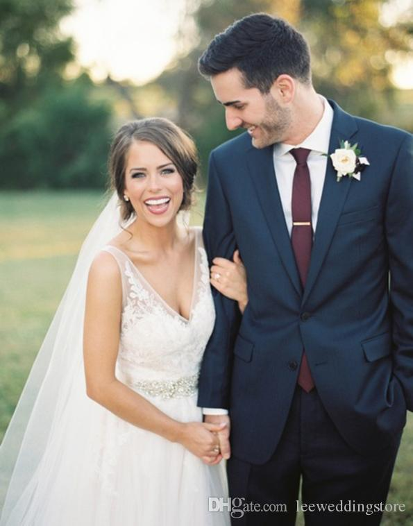 2018 Men Suits Navy Blue Notched Lapel Wedding Suits For Man Bridegroom Groomsmen Tuxedos 2Piece Custom Made Slim Fit Formal Blazer Prom