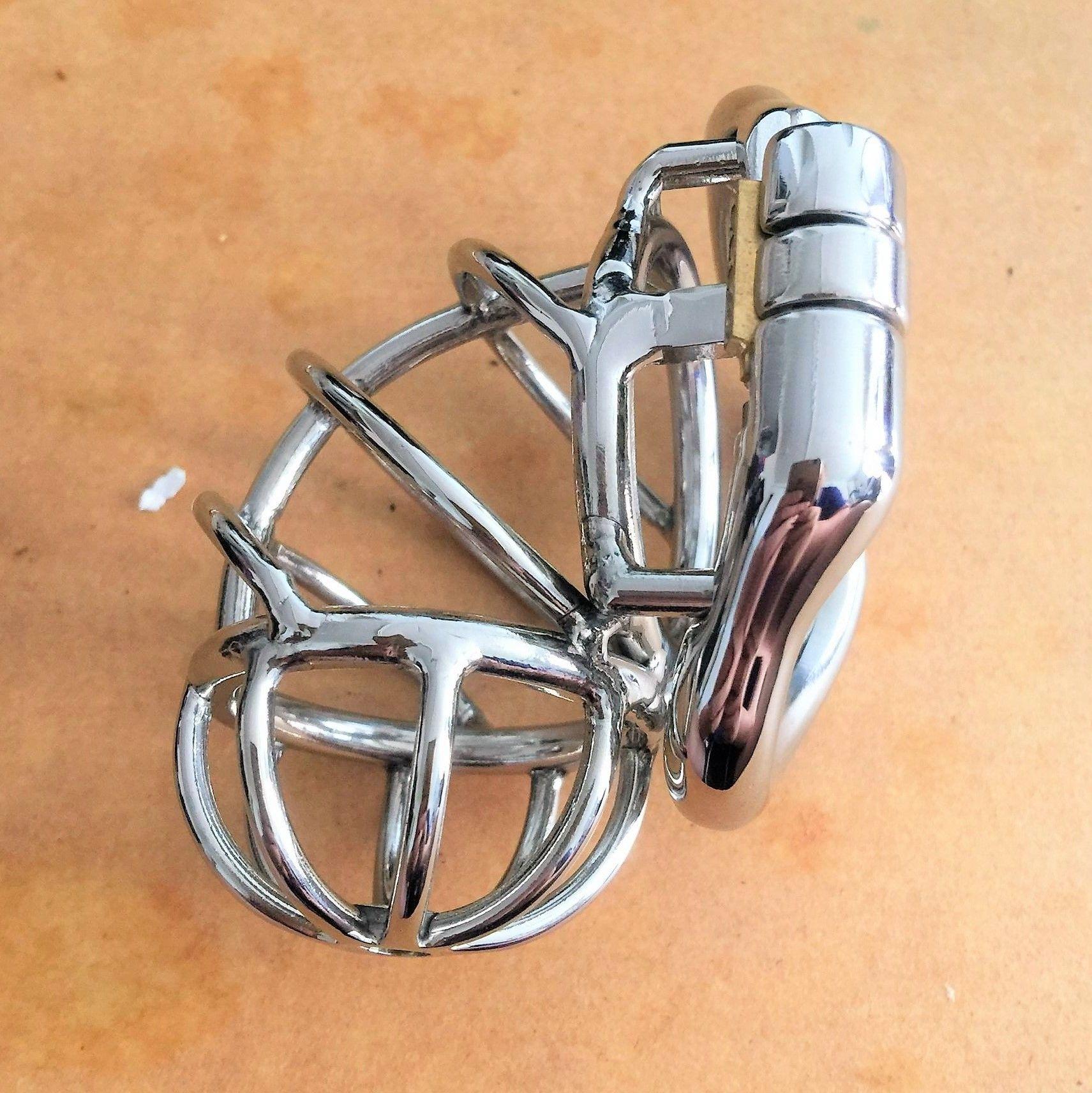Муж однобокой целомудрии Cage Мужского Hollowed из нержавеющей стали Замка ремень Влево устройство с 4 Факультативным Эргономичным Rings DoctorMonalisa C157