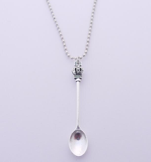 Collana Corona d'argento Ispirato Mini Tea Spoon collana di fascino delle donne tibetane fai da te teiera Reale Alice collana