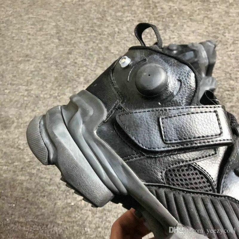 Großhandel Originals Reebok X Vetements 17 Gemeinsam Genetisch Modifizierte Pump Sneakers Männer Frauen Inflation Laufschuhe Größe 36 44 Von