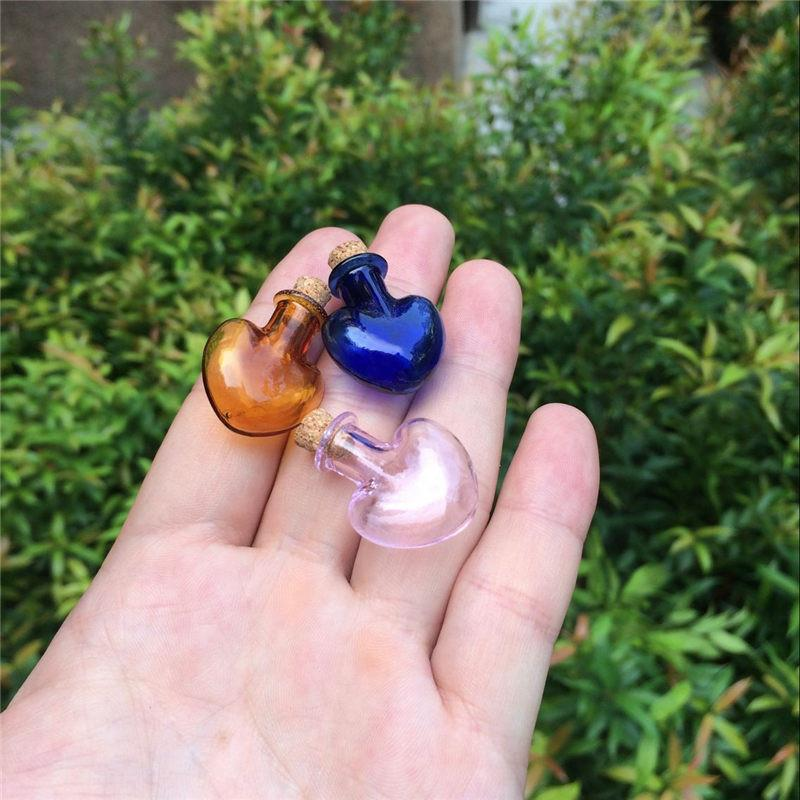 Mini Glass Sand Bottles Love Heart Shape Cute Bottles With Cork Colors Bottles Gift tiny Jars Vials Mix 7 Colors3