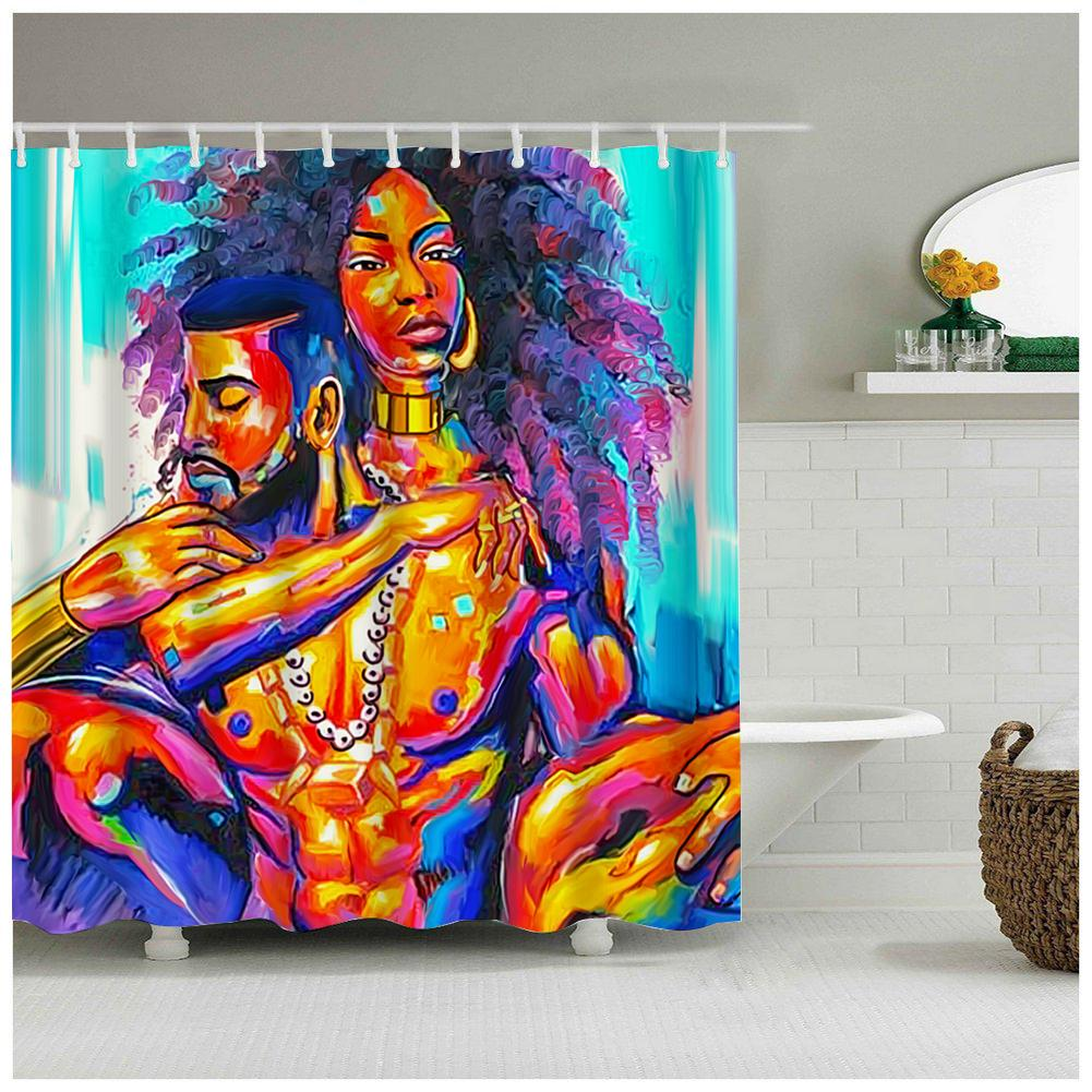 جودة عالية الرجل الأسود وامرأة مع الأرجواني مجعد الشعر في الحب ماء دش الستار النسيج ستارة الحمام