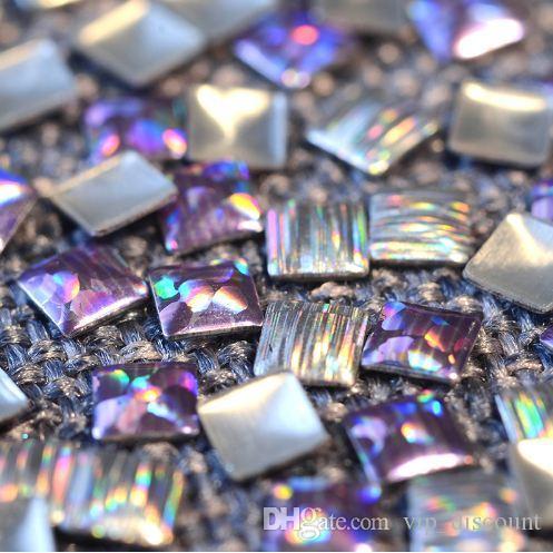 100pcs / sac BORN JOLIE Nail Laser Rivet Goujons 3 * 3 mm carrée strass Manucure Nail Art Décoration