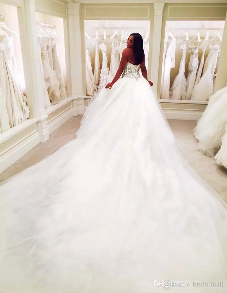 Puffy 2018 Dubai Nigerian Strass Tulle 3 METRI Abiti da sposa Plus Size Corpetto Lace-up Back in rilievo Cristalli Abiti da sposa formali