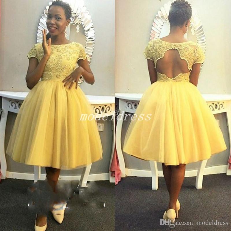 Abito da ballo giallo Africa Abito da ballo giallo 2019 Gioiello con scollo a V al ginocchio Lunghezza Abito da ballo corto Abito da laurea per studenti