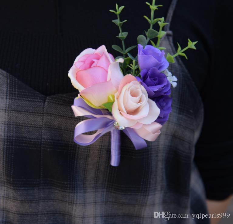 Immer verliebt in Blumen, Broschen, Handgelenke, Blumen, Broschen, Accessoires und Accessoires.