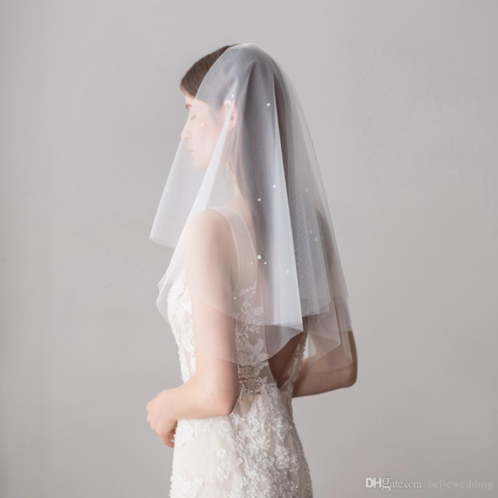 Velos nupciales de alta calidad con perlas Corte de borde Codo Longitud Dos capas Netificación de tul Blanco Blanco Elegante Hotselling Boda Velos nupciales BW-V614