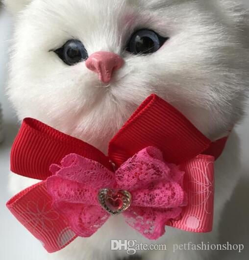 (100 pçs / lote) grande venda moda cão de estimação filhote de cachorro gato arco laços partido bowknot valentine grooming produtos ly11