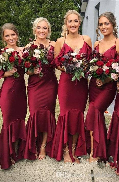 다크 레드 메이드 오브 아너 드레스 스파게티 고삐 인어 짧은 프론트 하이 로우 프릴 드레스 우아한 웨딩 게스트 드레스 들러리 들러리 국가