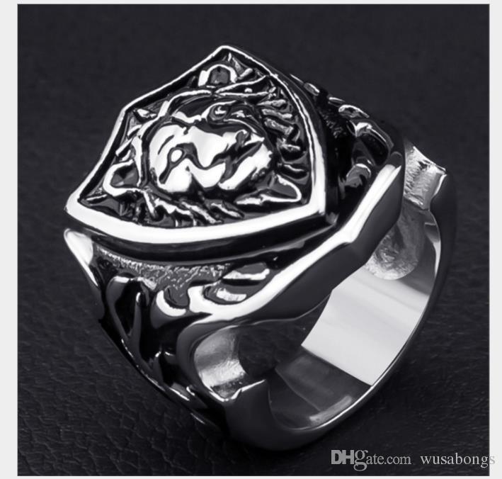 Erkek yüzük için halka Gümüş Aslan Knights madalyası