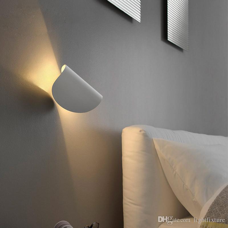 Lámpara de pared de la escalera del LED Luz moderna de la sala de estar Luz del lado de la pared Iluminación del pasillo Pasillo creativo Entrada Dormitorio Luz de pared de aluminio