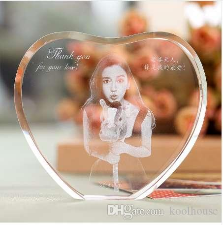 Personalizado Em Forma De Coração De Cristal Photo Frame Com Gravado A Laser Imagem Personalizada De Vidro Lembrança Do Casamento Presentes De Aniversário