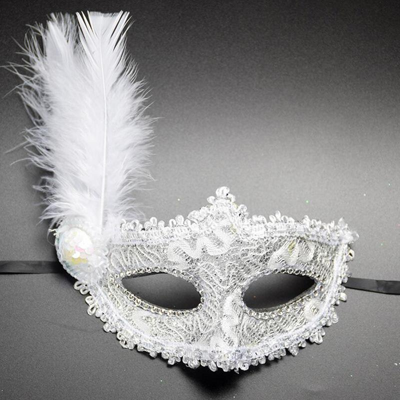 BLACK LACE VENETIAN MASQUERADE CARNIVAL PARTY EYE MASK WITH FEATHERS BRAND NEW