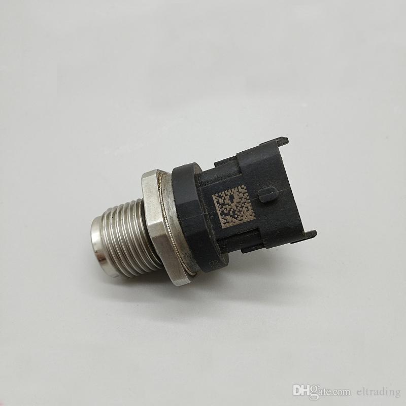 PC200-8 PC210-8 PC240-8에 대한 연료 공통 레일 압력 센서 6754-72-1210 예비 부품