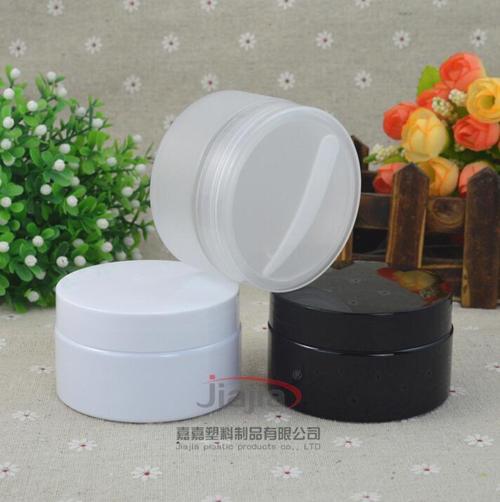 Claro 100g esmerilado / blanco / negro frasco de PET con tapa + + cuña spoon.Storage caja de plástico de 100 ml envase de la caja de embalaje de contenedores