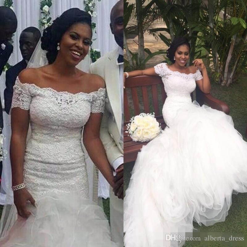 Afrikanische Meerjungfrau Brautkleider aus der Schulter Porträt Brautkleider Bridal GownsShort Sleeves Lace Top Rüschen Rock Atemberaubende Bridal G
