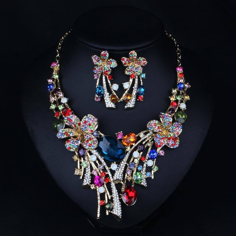 Hot 2017 Nouveaux Cristal Autrichien Bijoux De Luxe Grand Coloré Fleur De Mariage De Bijoux De Mariée ensemble Déclaration Collier Boucles D'oreilles