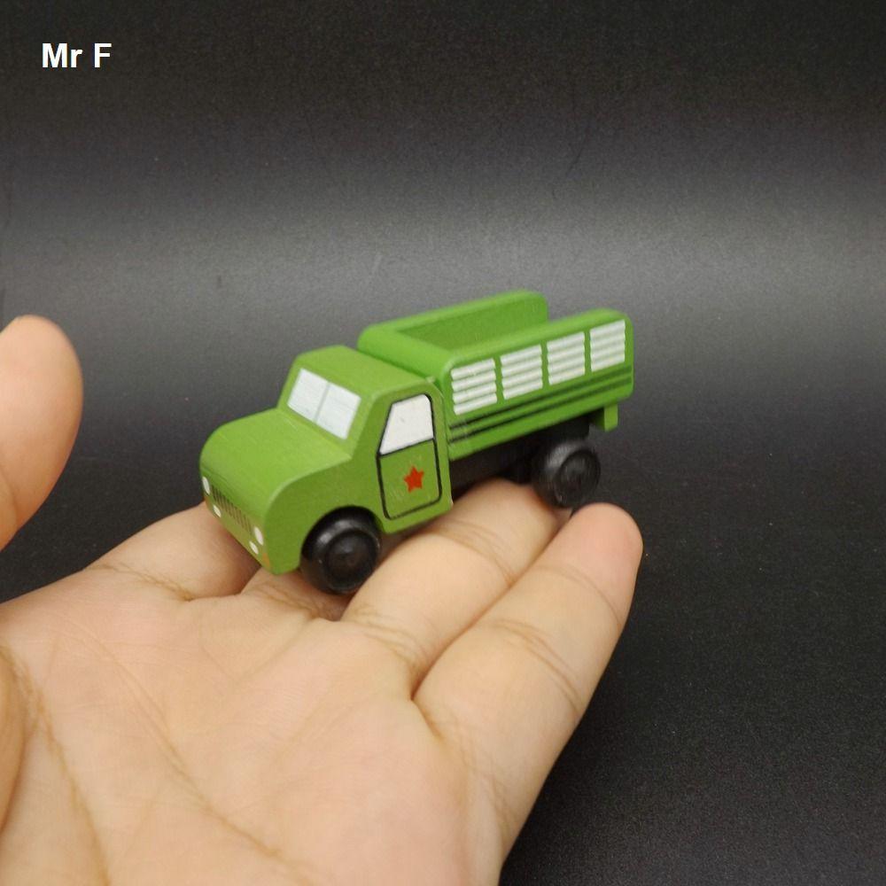 Criança Jogo Requintado Minúsculo De Madeira Móvel Veículo Militar Brinquedo das Crianças Truck Aprendizagem Educacional Prop Instrumento de Ensino
