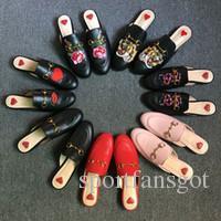 2017 Marca Princetown Mujeres Zapatillas de Piel de Lujo Diseñador de Moda Mocasines de Cuero Genuino Zapatos de Cadena de Metal Señoras Ocasionales Pisos Nueva