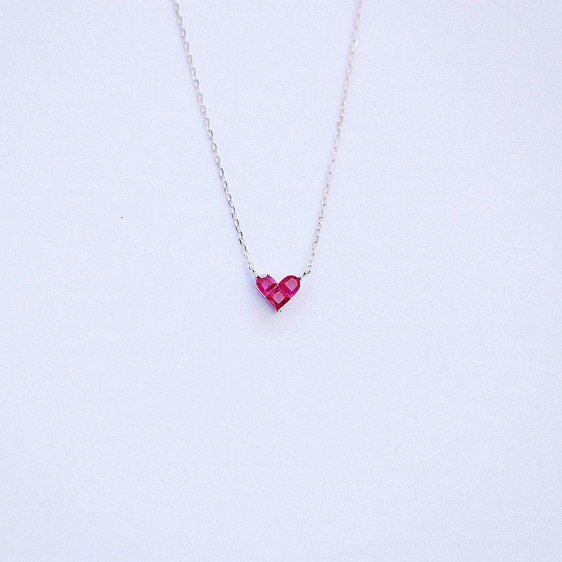 Japanische S925 Sterling Silber Schöne Rote Mini Ruby Heart-shaped Kurze Halskette Freundschaft Anhänger Flash Verkauf Schmuck