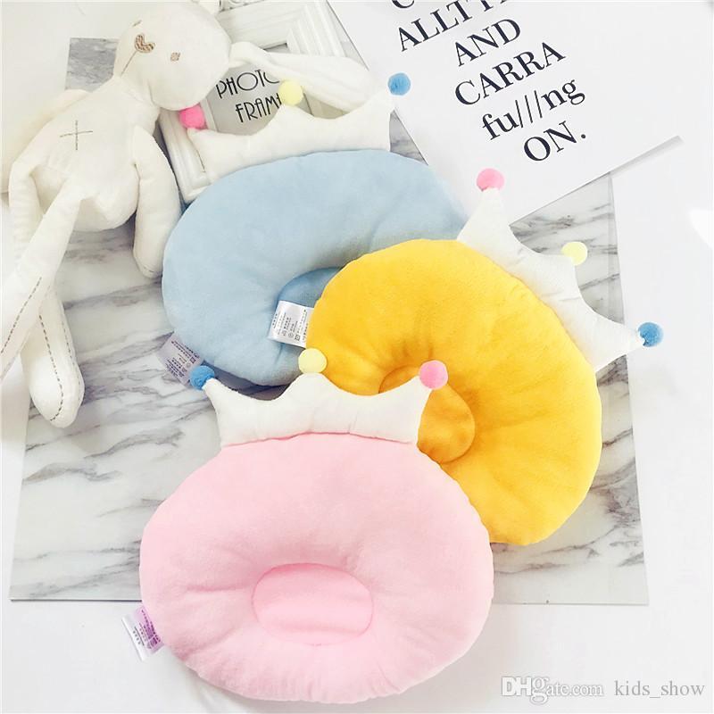 아기 크라운 베개 아기 면화 크라운 잠자는 베개 베이비 헤드 플랫 방지 베개 모양 통기성 베개