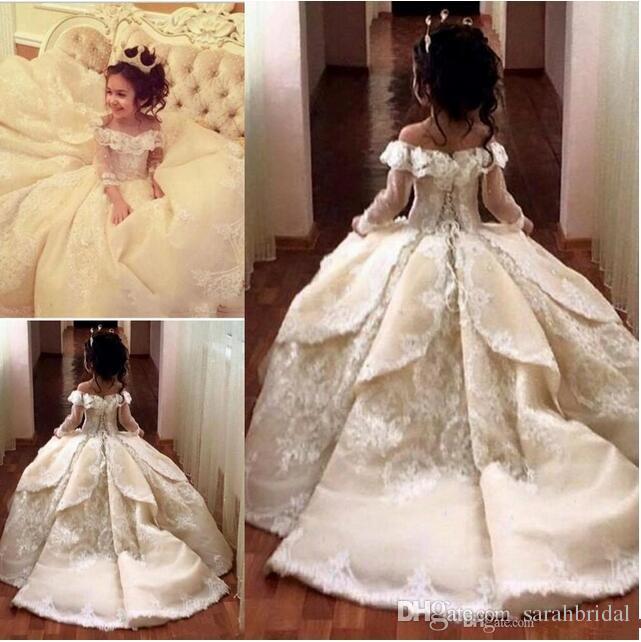 Vintage Lace Flor Girl Vestidos Elegante Off Shoulder Wide Cuello Vestido Bola Niña Pago Pago Vestidos Vestidos
