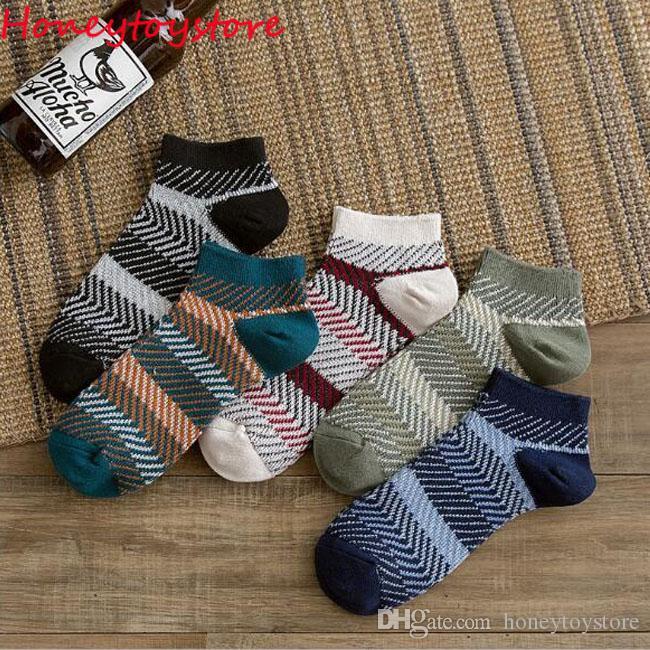 Горячая распродажа удобные мужчины удобные полосатые носки хлопчатобумажные носки короткие носки лодыжки новое поступление дышащие носки англии