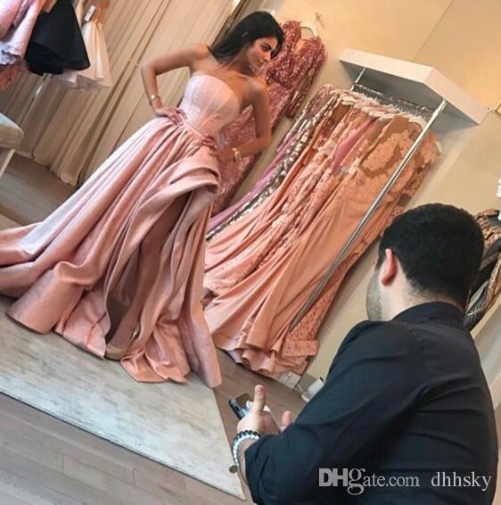 Vestido de noche Yousef aljasmi Kim kardashian Straoless Plisado Split Vestido largo Myriam tarifas Almoda gianninaazar ZuhLair murad Ziadnakad