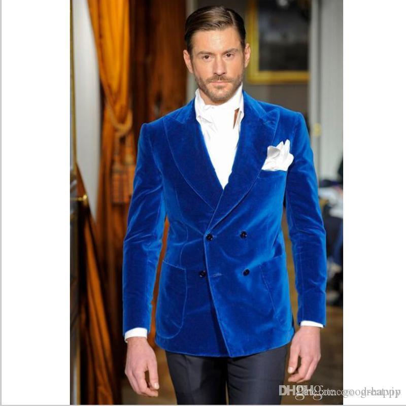 Nowy projekt Royal Blue Velvet Groom Tuxedos Peak Lalpel Dwurzędowe Mężczyźni Wesele Blazer Mężczyźni Dinner Prom Business Garnitur (Kurtka + Spodnie + Krawat) 136
