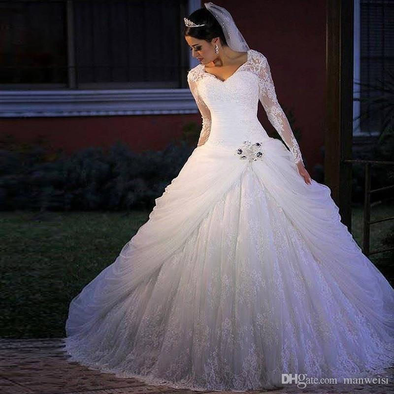 Vintage Lace Ball Gown Wedding Dresses Long Sleeves V Neck Appliques Beads Puffy Arabic Dubai Church Bridal Gowns Plus Size