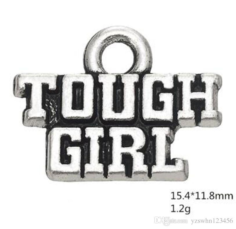 La palabra de la muchacha dura del metal encanta la joyería para hacer