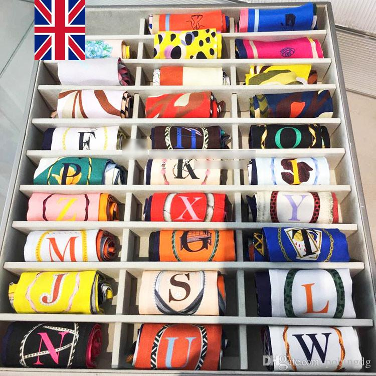Moda 26 Lettere Seta Sciarpa Seta Donne Nuovo design Stampa Donna Testa Sciarpa Piccola cravatta Maniglia Borsa Nastri Sciarpa Sciarpa Seta Sciarpe