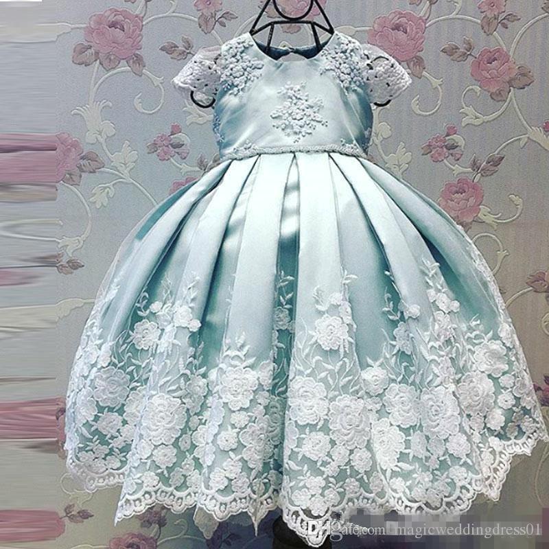 2018 nouvelle belle fleur filles 'robes Cap Sleeve avec dentelle broderie menthe bleu Satin enfants Pageant enfant en bas âge robe de mariée mariage Porter