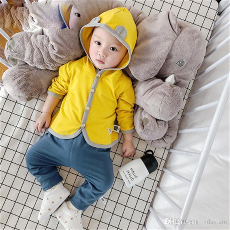 Primavera y otoño de 2018, ropa para niños nuevos, de edad para bebés, chaqueta de capucha con capucha de color sólido para niños, de un solo pecho