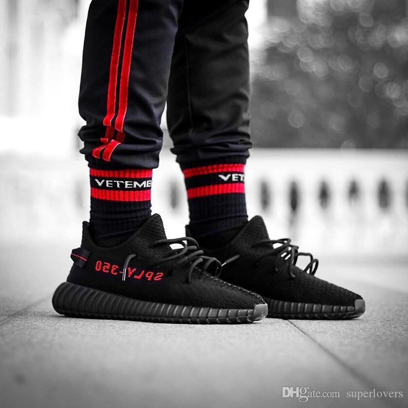 VETEMENTS Socks Tide Brand Fashion Letter Stockings For Unisex Black White Hip-Hop Skateboard Stockings Outdoor Athletic Socks