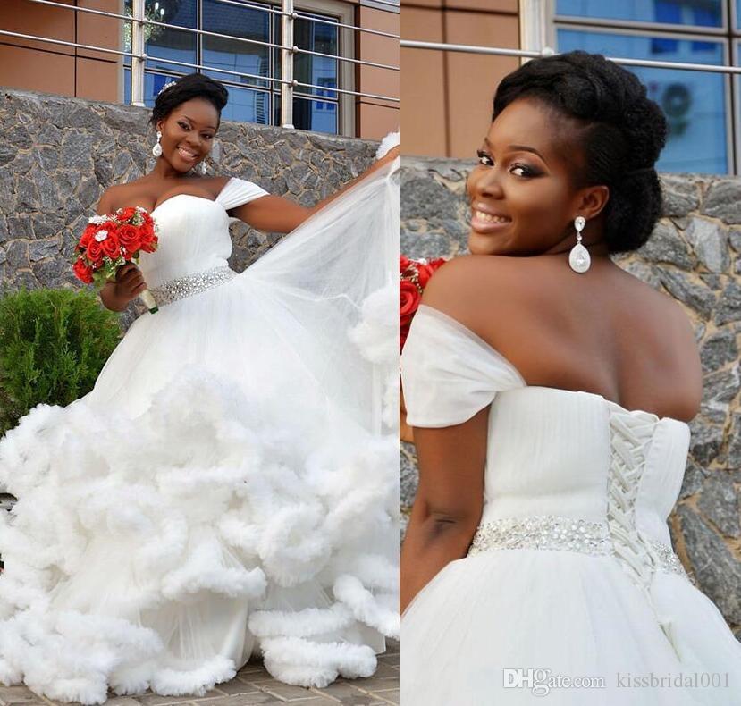 Gorra Mangas 2019 Vestidos de novia Africanos Negros Gilrs Vestidos de novia formales Una línea Falda de volantes Lace Up Back Tallas grandes Vestidos de boda de cristal