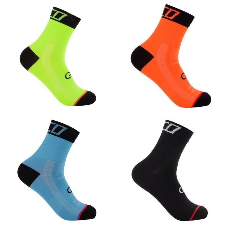 Calze sportive di alta qualità 5 colori unisex Tour de France Team calzini da ciclismo Equitazione Bike Sport Runing Yoga Socks taglia 39-46