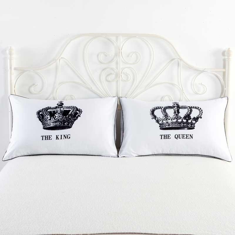 Nuovo elenco Federa per cuscino Mr And Mrs Romantic King Queen Coppia Copricuscino in cotone decorativo Regalo di San Valentino Regalo 2 pezzi / una coppia