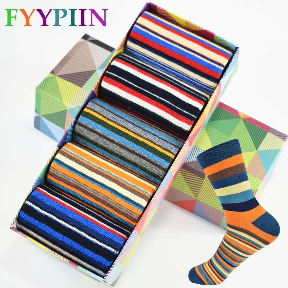 Casual Uomo Calze a righe cromatiche Five Pairs Of Socks Uomo con il design finale di abbigliamento Fashion Designer Style Cotton No Box