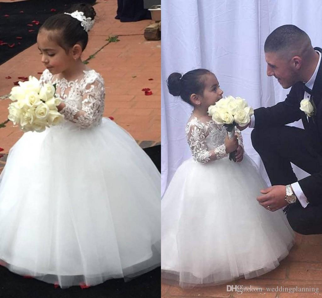 2018 Cute White Ball Gown Flower Girls Dresses Applique Lace Top Long Sleeves Floor Length Children Wedding Dress First Communion Dress