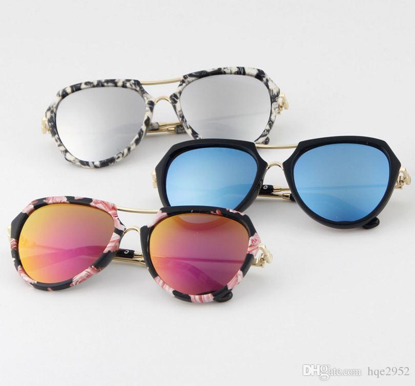 T613 per Girls Boys Teens w / Flash Lens Protezione UV Kids New Pattern Fashion Style Occhiali da sole con custodia