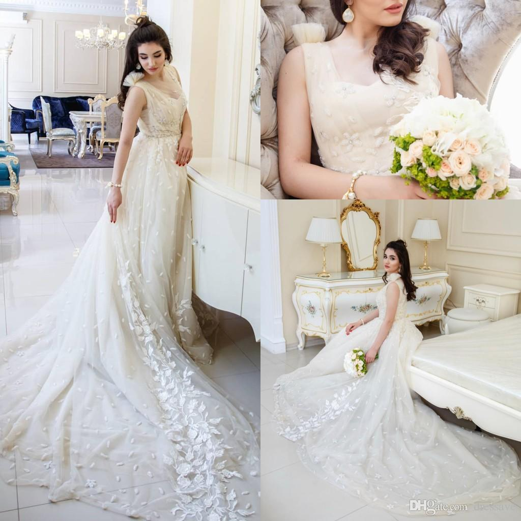 Arabic Wedding Dresses with Rhinestones Crystals Tulle Sleeveless Ball Gown Wedding Dress Vintage Bridal Gowns