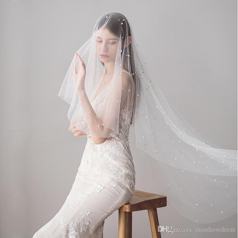 2018 Elegante Ivory Uno strato di Tulle perline perle Bridal Veils lunghezza delle dita di lusso veli da sposa Con pettine CPA1423
